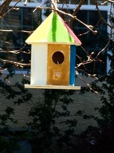 birdhouse birdfeeder