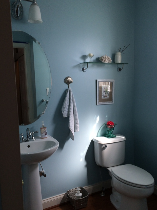 powder room makeover sea spray glidden seashell beach blue home decor